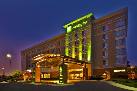 Photo of Holiday Inn Detroit Metro Airport Romulus