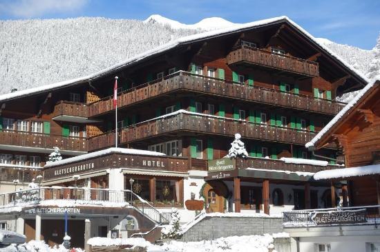 Hotel Gletschergarten: Hotelfassade Winter