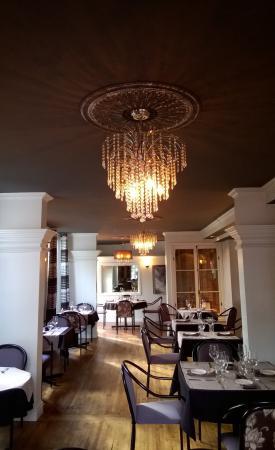 Joliette, แคนาดา: La salle principale du restaurant BERCAIL