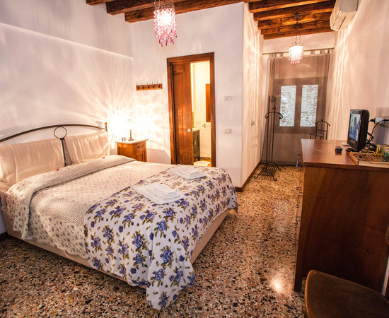 bed and breakfast you and me venice italy b b reviews photos price comparison tripadvisor. Black Bedroom Furniture Sets. Home Design Ideas