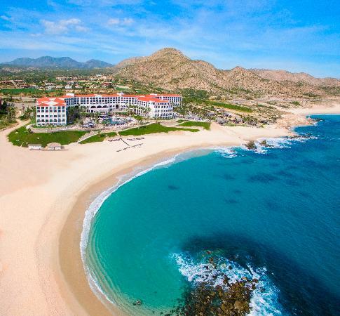 هيلتون لوس كابوس بيتش آند جولف ريزورت: Swimmable Beach in Los Cabos