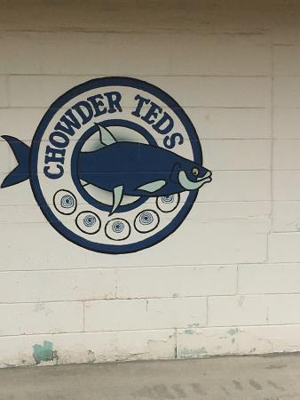 Chowder Ted's: Great lunch place