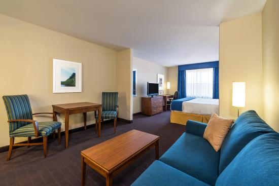 Deer Lake, Canadá: Enjoy Extra Living Space in our Executive Room