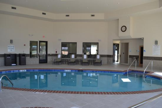 Duncan, OK: Stay Relaxed in our indoor saltwater pool and hot tub/Sauna