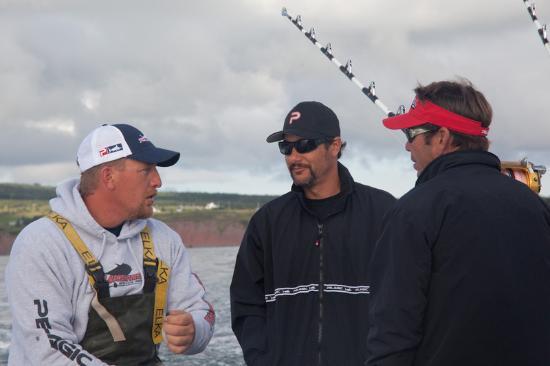 Antigonish, Canada: Captain John talking tuna with some clients