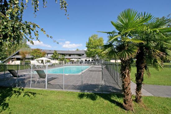 Voglans, Frankrike: Pool