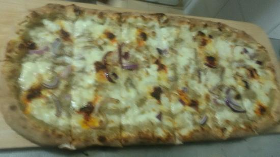 Roseto Capo Spulico, Italien: Antipasto e pizze alla pala
