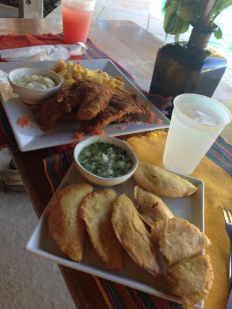 White Sands Cove Resort: Ms Miguela's AMAZING Empenadas and Fish & Chips!