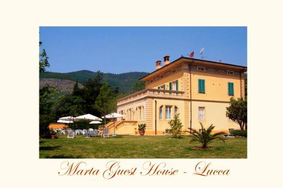 Santa Maria del Giudice, Italia: foto villa e giardino