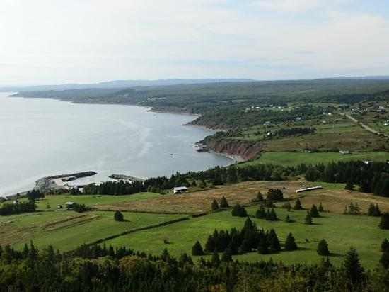 Antigonish, Canada : A stunning vista!  An view of Ballantyne's Cove and the beautiful Northumberland Shore as seen f