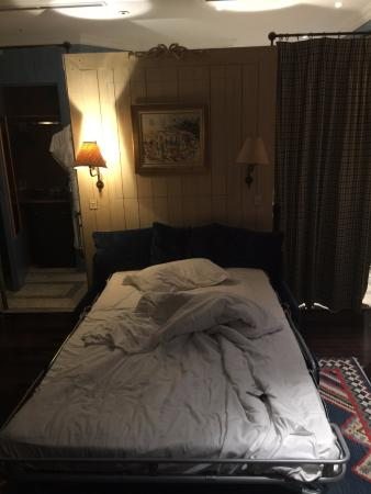 Hotel Elysees Regencia Paris: Blue Suite - Pullout Sofa