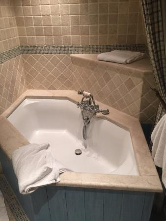 Hotel Elysees Regencia Paris: Blue Suite - Bathtub
