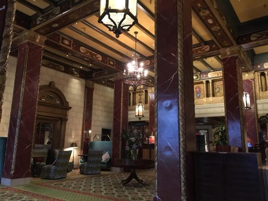 Serrano Hotel: Hotel lobby