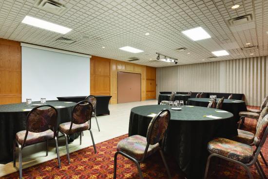 Days Hotel & Suites - Lloydminster: Meetings