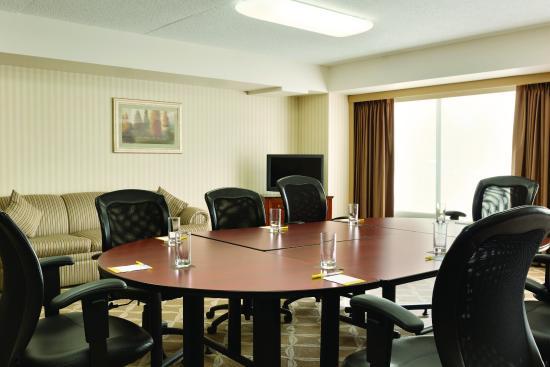 Days Hotel & Suites - Lloydminster: Boardroom