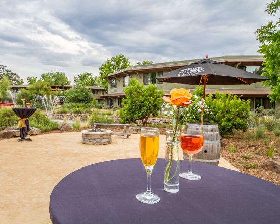 Anderson, CA: Manager's Reception – Every Thursday 5:30-6:30pm