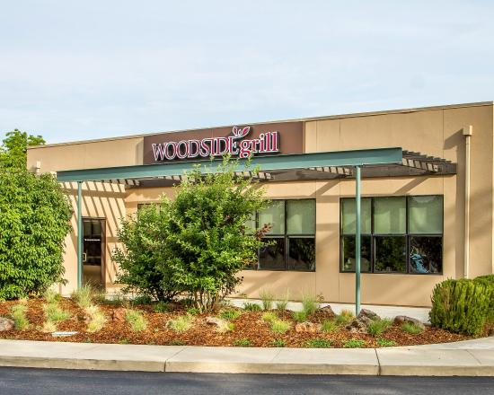 Anderson, CA: Woodside Grill