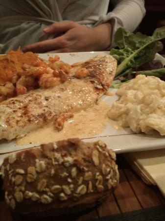 Aux copains d 39 abord voiron restaurant avis num ro de t l phone photos tripadvisor - Cuisine des sables voiron ...