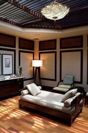 Tea Room At Alaya Spa Picture Of Bonaventure Resort