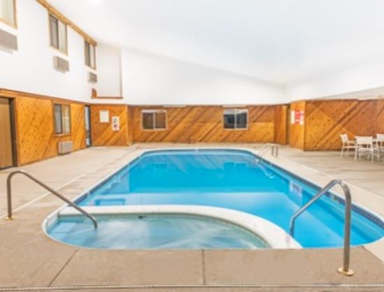 Richfield, OH: Pool & SPA
