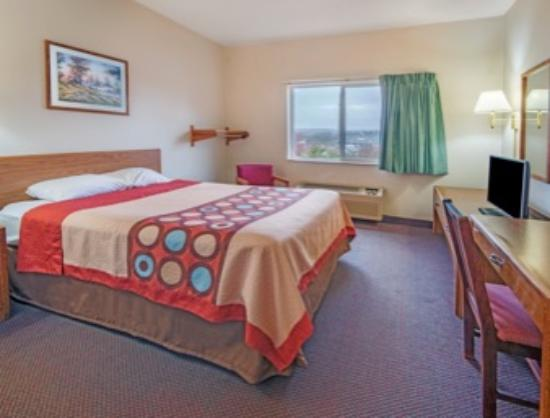 Richfield, OH: Queen Bed Room