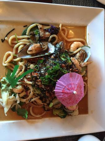 Wasilla, AK : Khan did it again with Khan's Seafood Noodles! Unbelievable with mussels, shrimp, calamari, and