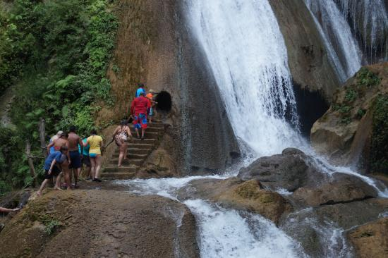 Dona Lupita: Waterfalls with Luis Mendez, Mendez Tours Huatulco.