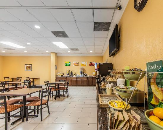 Marietta, OH: Breakfast Area