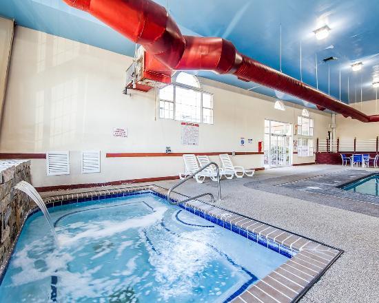 Marietta, OH: Pool