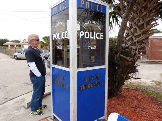‪World's Smallest Police Station‬
