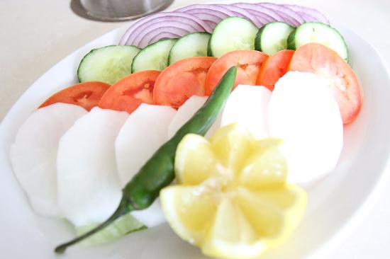Surrey, كندا: Assorted Green Salad