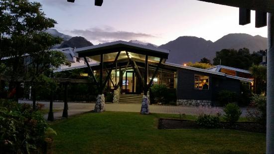 Scenic Hotel Franz Josef Glacier Hotel: 20160113_183807_large.jpg