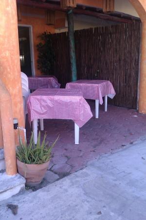outside setup tables 4 pm la pizza nostra pto morelos