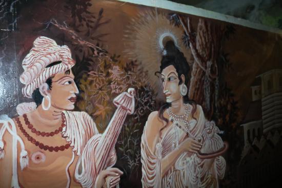 Diyaluma Falls Inn: Hotel wall decorations.
