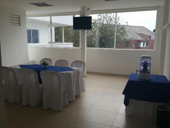 Hotel San Martin: Salón de cortesía para huéspedes