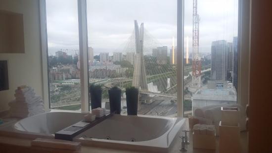 """Grand Hyatt Sao Paulo: Suíte com vista da Ponte """"Estaiada"""""""