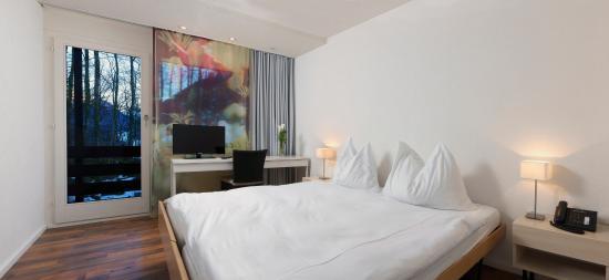 Seeblick Hohenhotel: Doppelzimmer mit Bergsicht