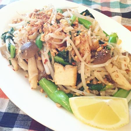 Tit-chai thaifood restaurant: vegean fried noodle