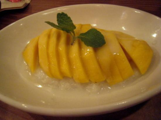 Tit-chai thaifood restaurant: sticky rice with Mango