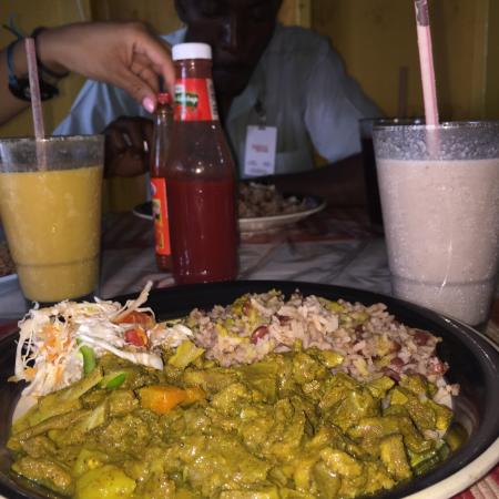 Tyreque's Tours & Transfers: Negril goat roti & Peanut punch