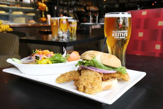 Symposium Cafe Restaurant & Lounge: Haddock sandwich