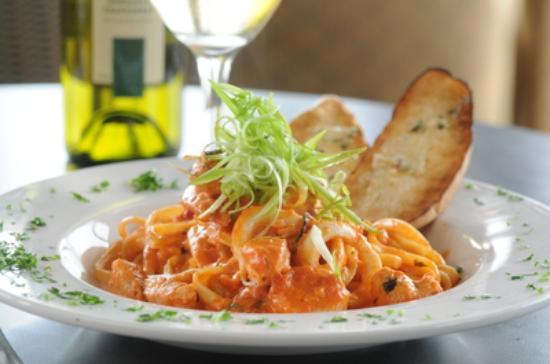 Symposium Cafe Restaurant & Lounge: Pasta dinner