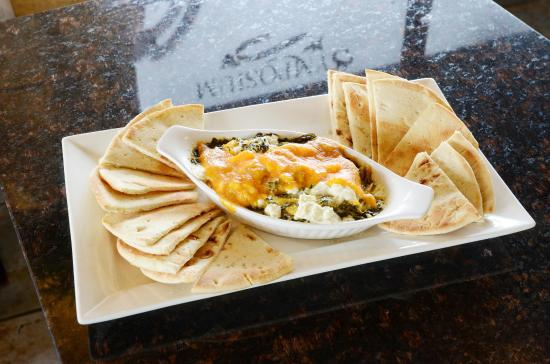 Symposium Cafe Restaurant & Lounge: Spinach dip appetizer
