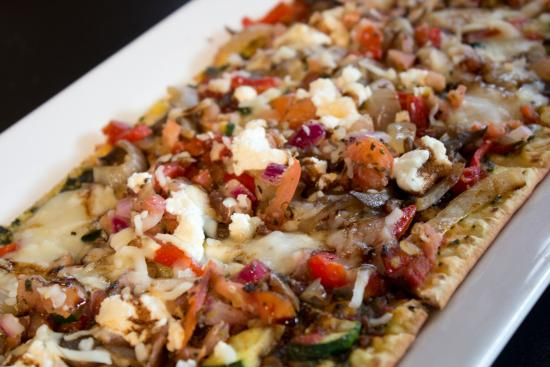Symposium Cafe Restaurant & Lounge: Vegetarian flat bread appetizer