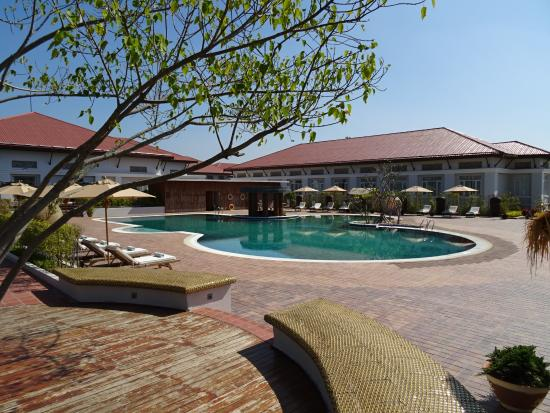 Kempinski Hotel Nay Pyi Taw: Close To Pool from Bagan Wing