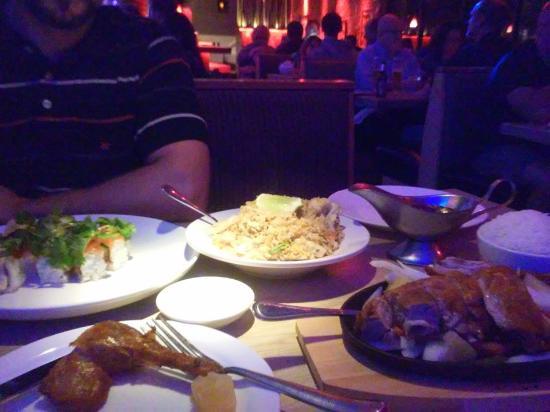 Moon Thai & Japanese: Dinner