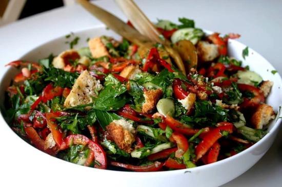 Byblos Harbour: Fatoush salad