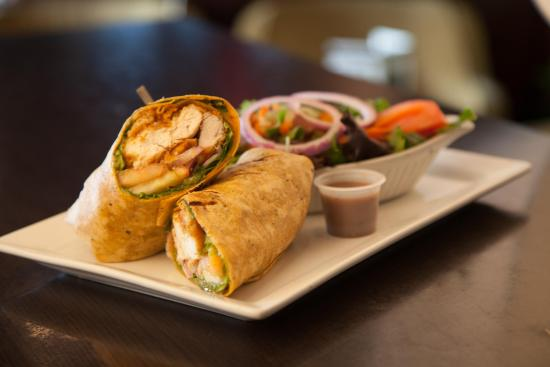 Symposium Cafe Restaurant & Lounge: Crispy chicken wrap with salad