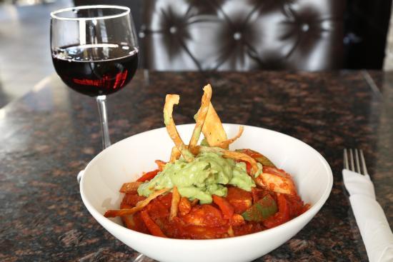 Symposium Cafe Restaurant & Lounge: Southwest Chicken Rice bowl