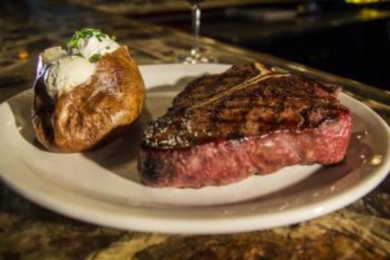 Okeechobee Steakhouse: Porterhouse Steak